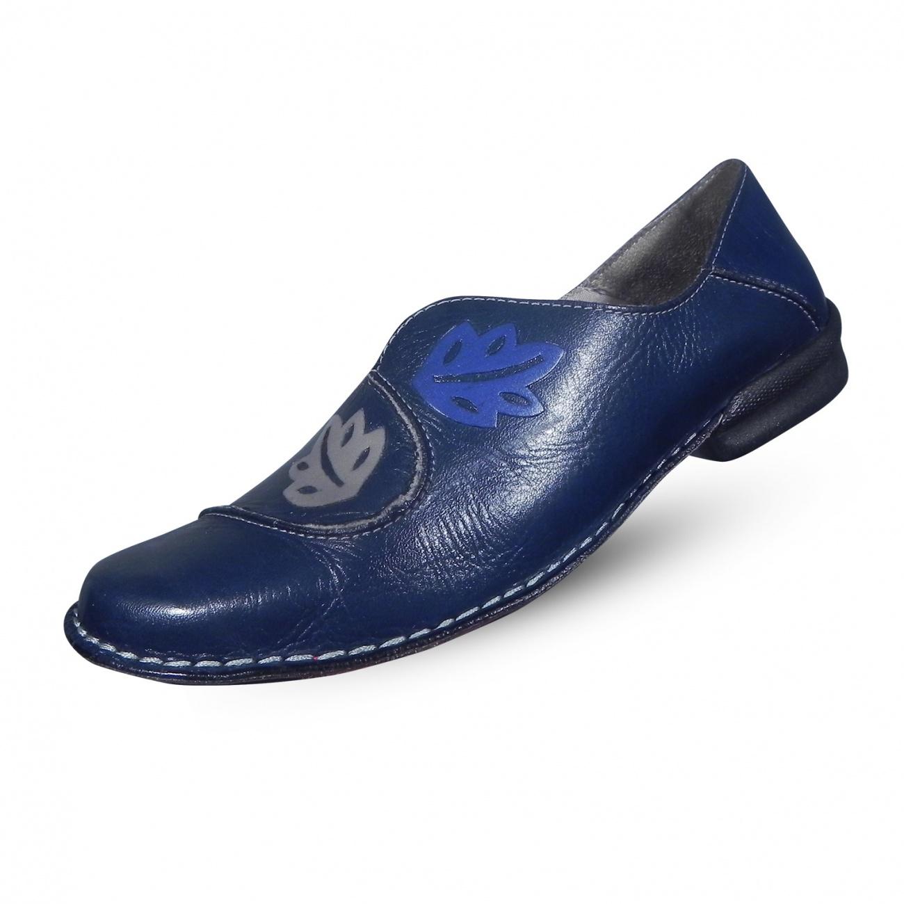 f84963d98 Sapato em Couro com Bordado J.Gean - Pole Modas
