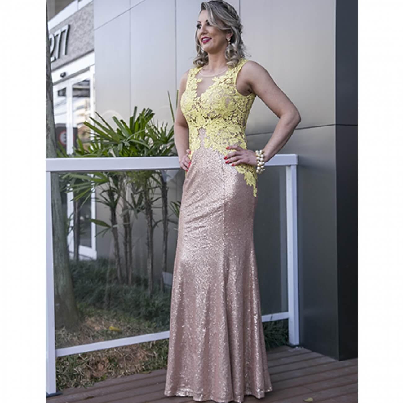 eb2318073 Vestido de Festa Longo com Paetês e Renda Adoro - Cor Amarelo - Pole ...