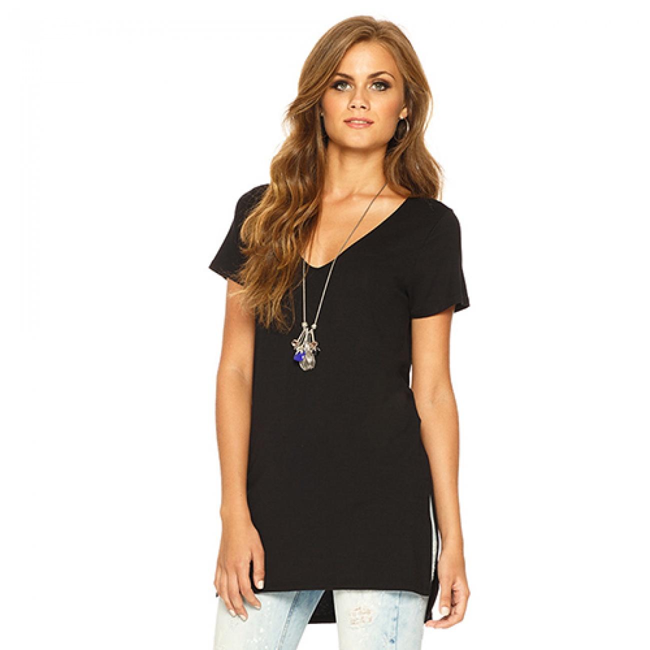 0043ee1c62 T-shirt Alongada em Viscose Gatos e Atos Cor Preto - Pole Modas