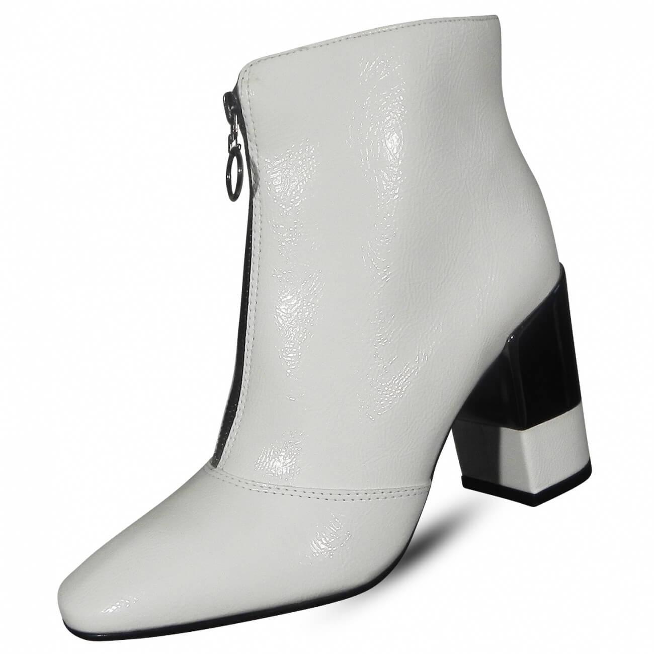 6caf33e16 Bota Branca em Verniz Molhado Suzana Santos - Pole Modas