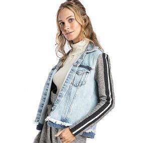 3b521634e4 Jaqueta Jeans Feminina - Compre Online na Pole - Tons de azul - Pole ...