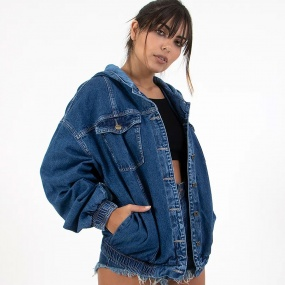 Jaqueta Jeans Ovesized Com Capuz Lady Rock